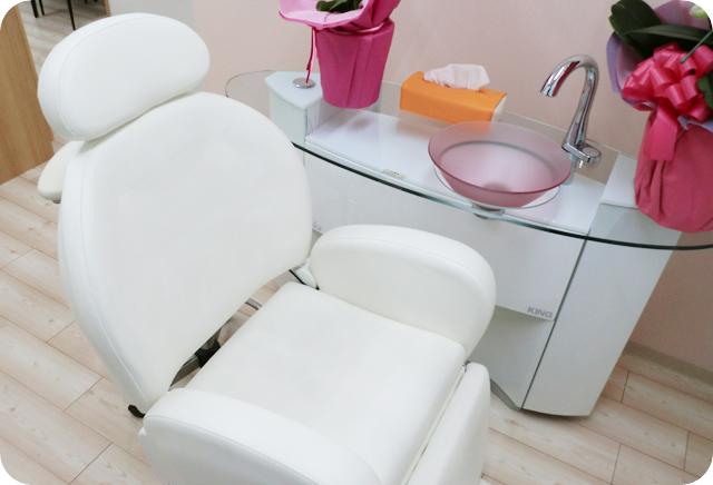 柔らかい椅子でお口の中のクリーニング(定期健診)